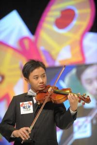 梁溢希小提琴演出相片一