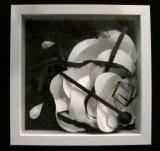 黃至威紙藝作品《白濤黑湧》