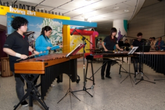 「香港製造@四擊頭」與思薇演奏悅耳的樂章