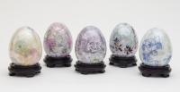 何玉珠彩繪瓷器作品《色彩繽紛陶瓷蛋(一套5件)》