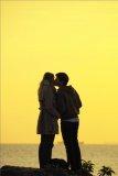 司徒世偉攝影作品《人生小故事-情深一吻》
