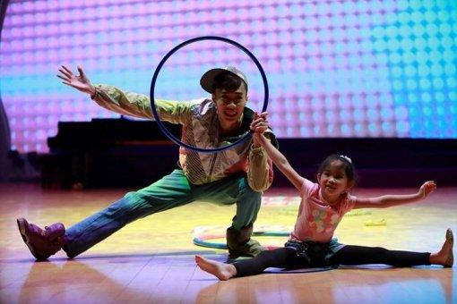 黃耀邦舞蹈表演相片三